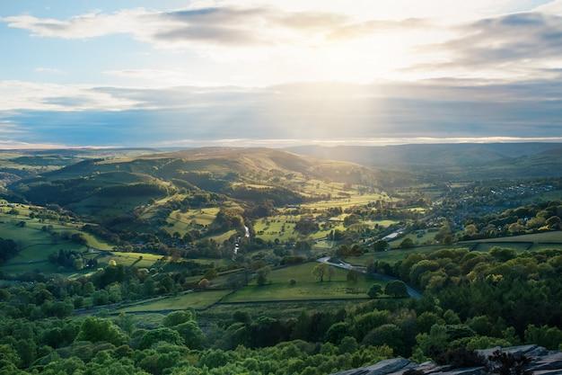 ヨークシャーの通常の田舎のイングランドの風景