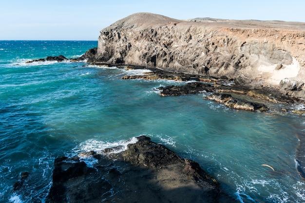 グアジラコロンビア海岸砂漠のビーチ