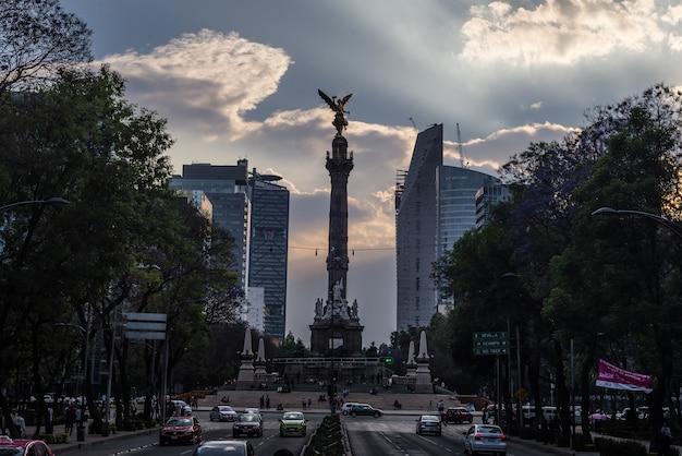独立記念日天使メキシコ記念碑