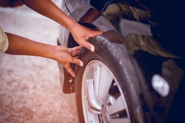 写真は安全のためのタイヤ空気圧です。安全コンセプト
