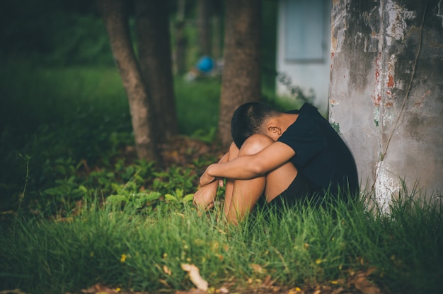 Прекратить насилие в отношении детей и холостяцкой жизни концепция