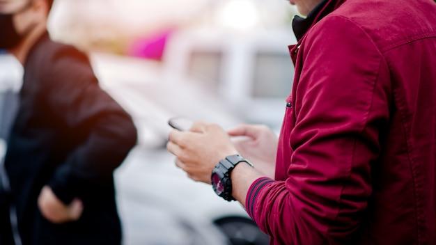 紳士の手と腕時計