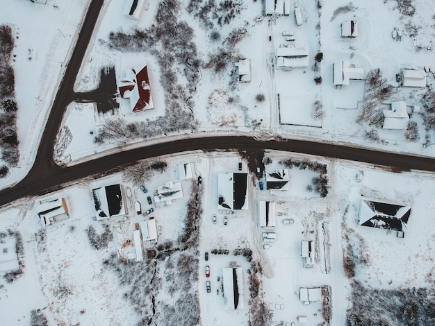 雪に覆われた街の空撮