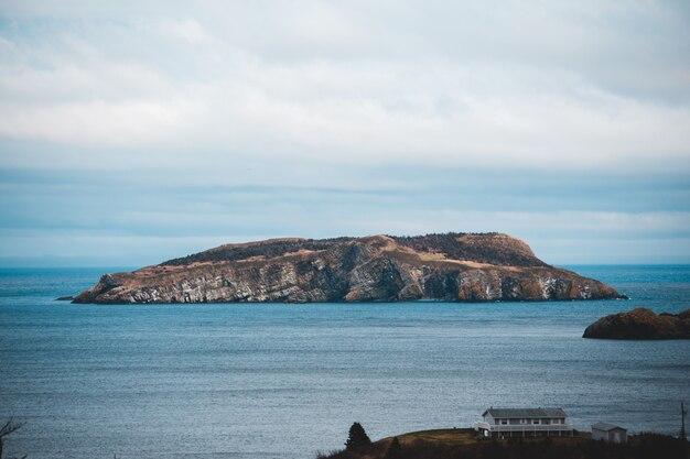 Коричневый остров пейзаж