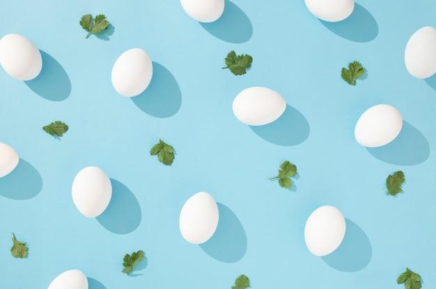 葉模様の装飾的な卵