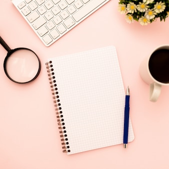 Креативная плоская планировка рабочего стола