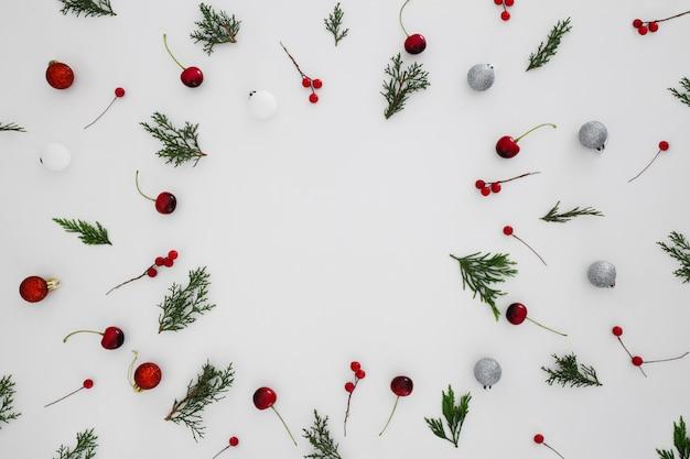 Рождественский узор на белом фоне