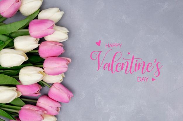 チューリップで作られた美しい構図とバレンタインデーのテンプレート