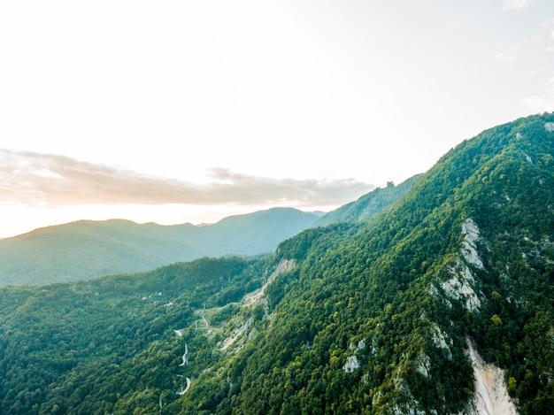 見事な山の風景