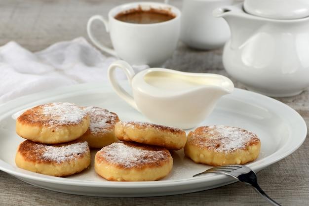 朝ごはん。サワークリームとチーズのパンケーキ