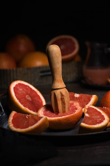 Отжим сока из грейпфрута