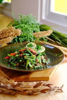 唐辛子と豆腐の炒め物