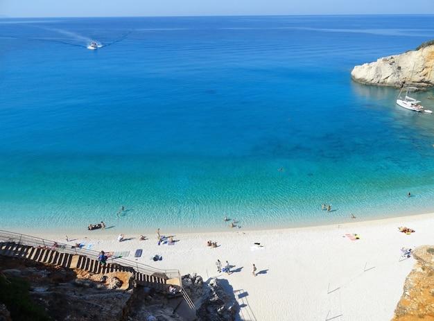 レフカダ島ギリシャポルトカツキビーチの風景