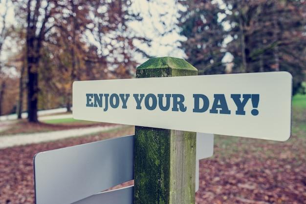 あなたの日のサインをお楽しみください