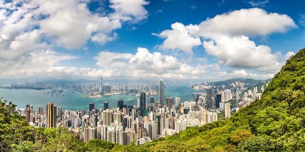 香港のビジネス地区のパノラマ