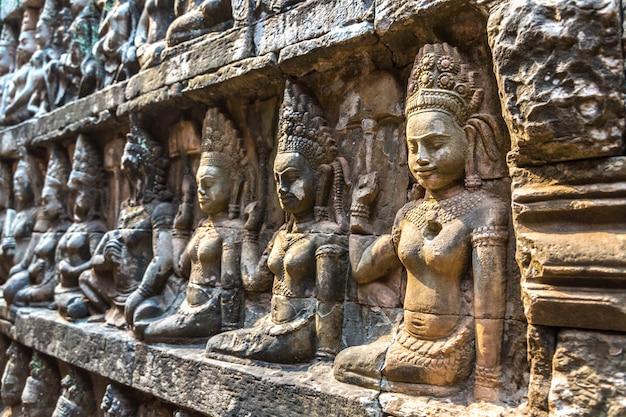 Терраса слонов в ангкор-ват, камбоджа