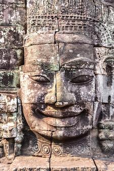 Храм байон в ангкор-ват в камбодже