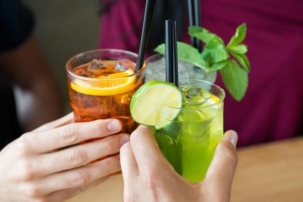 友達と食前酒