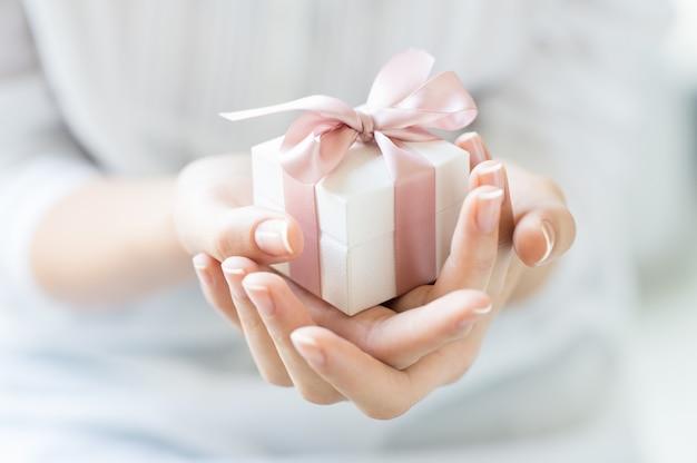 ロマンチックなギフトボックス