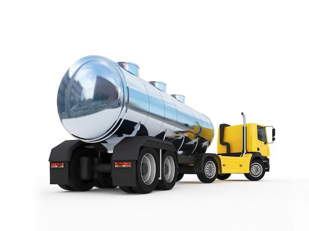 大きなオレンジ色の燃料タンカートラックの水槽
