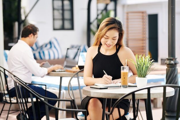 Вьетнамское деловое письмо в дневнике