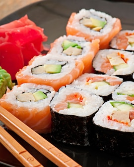 Японская еда - суши и сашими