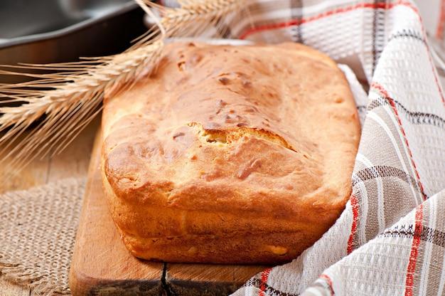 Домашний сырный хлеб