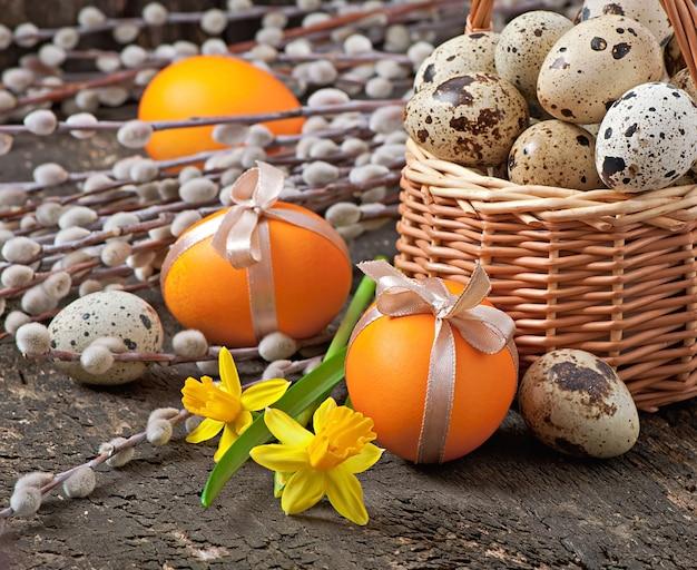 Красочные пасхальные яйца