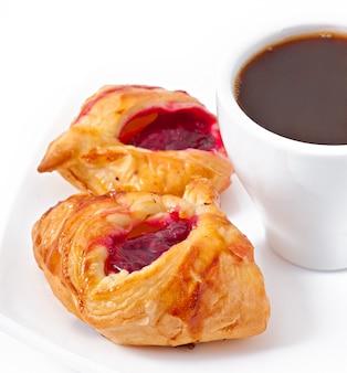 コーヒーとジャム入りお菓子