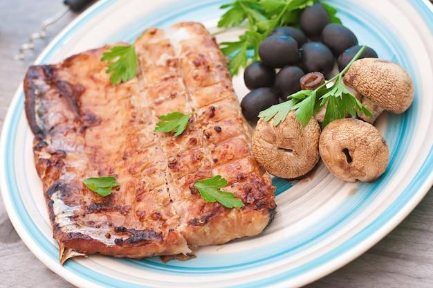 魚の切り身(ゼレ)野菜のグリル
