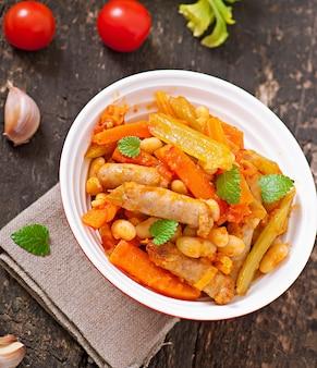 Марокканское рагу с сосисками