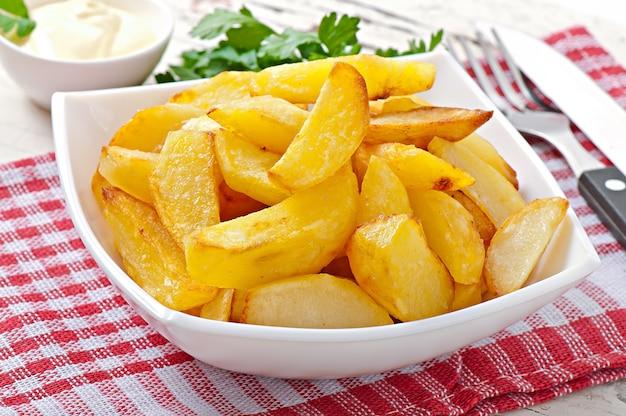 Жареные картофельные дольки