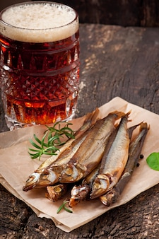 Копченая рыба с пивом