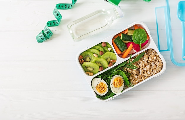 健康食品やスポーツライフスタイルのコンセプトです。ベジタリアンランチ