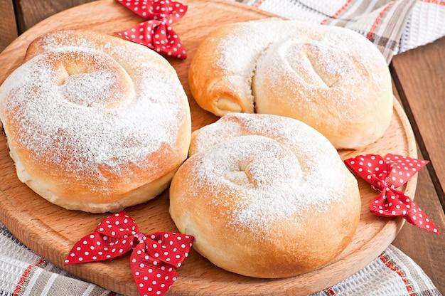 スペインのパン「エンサイマダス」