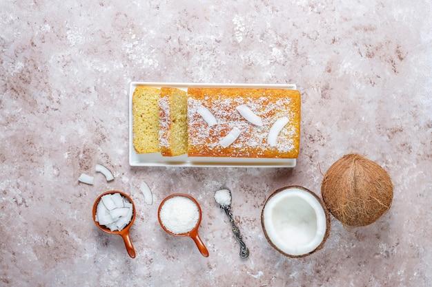 Домашний вкусный кокосовый пирог с половиной кокоса