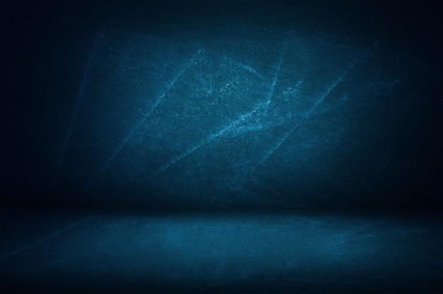 プレゼンテーション製品の黒板とショールームの背景の青いスタジオの壁