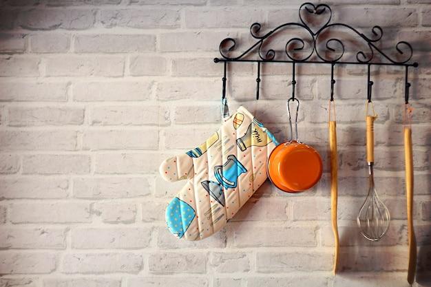 鉄ハンガー、ヴィンテージスタイルで吊るす台所用品