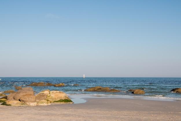 フアヒン、タイのブルーウォーターとビーチ