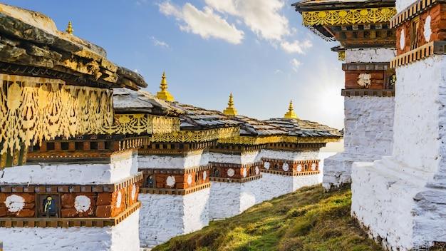 ドチュラは、ブータン兵士を称えるための記念碑です。