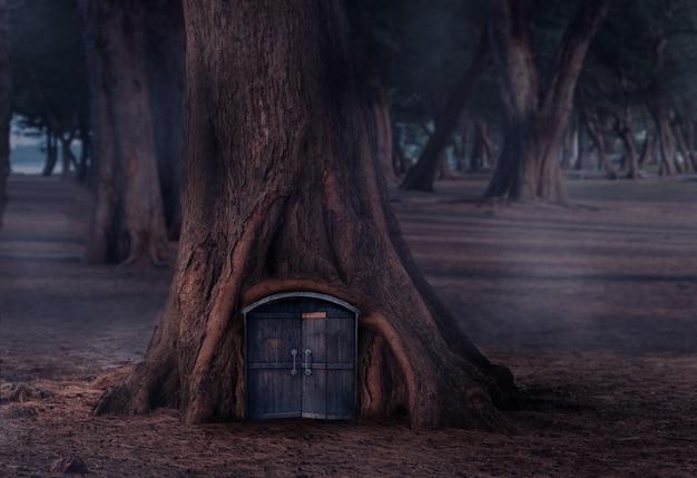 Деревня в сказке с деревянными дверями в сосновом лесу