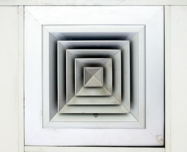 天井の通気孔