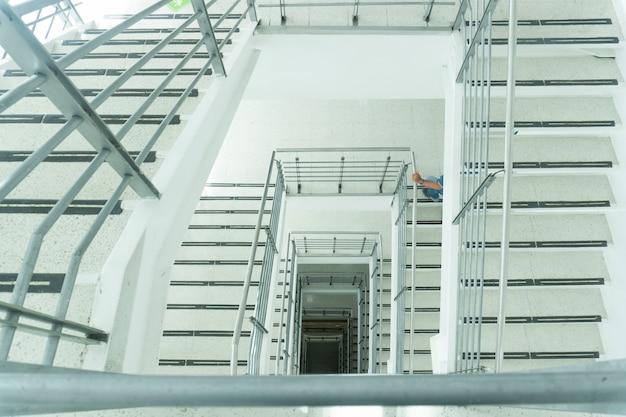 Перспектива и ступеньки лестницы