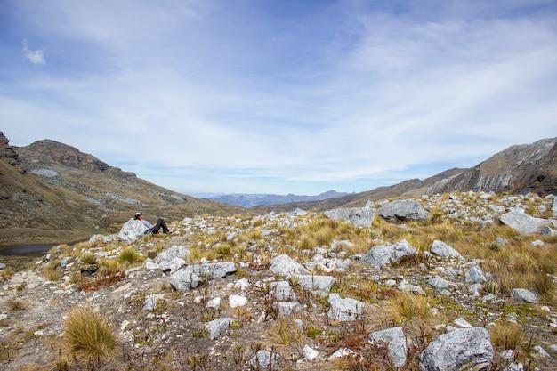 Солнечный день в сьерра-невада-дель-кокуй