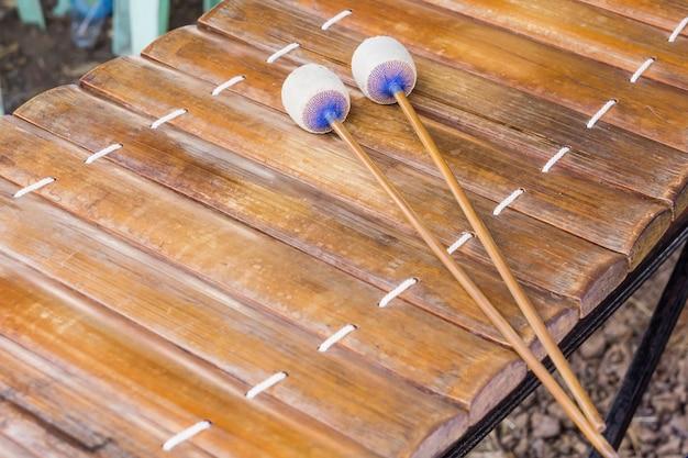 Музыкальное оборудование тайской гамелан, махори или гамелан - это форма тайского классического ансамбля