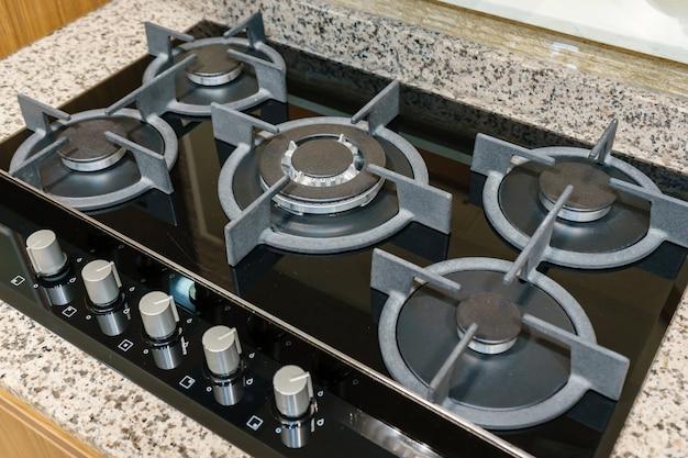 台所のガスコンロのクローズアップ