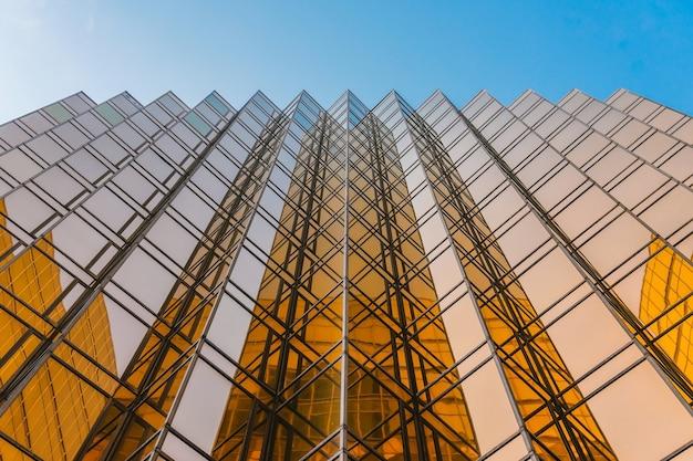 ロイヤルパシフィックホテルは、チャイナマカオフェリーターミナルの近くに位置しています。