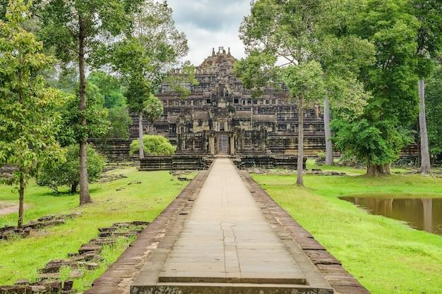 パノラマビューバフオン寺院、アンコールトム、シェムリアップ、カンボジア。
