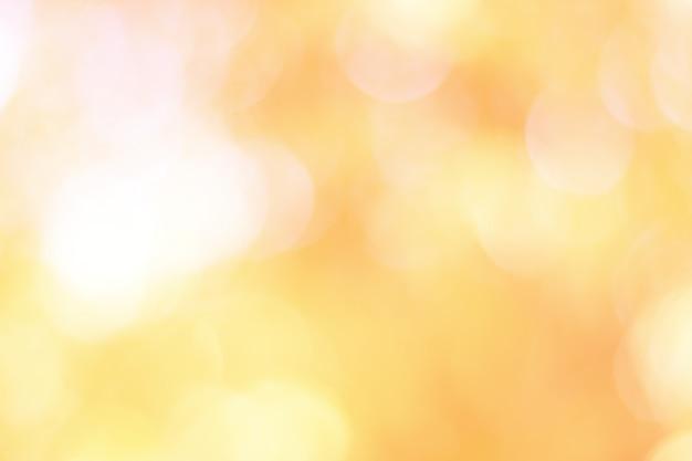 背景のライトの美しくカラフルなボケ味