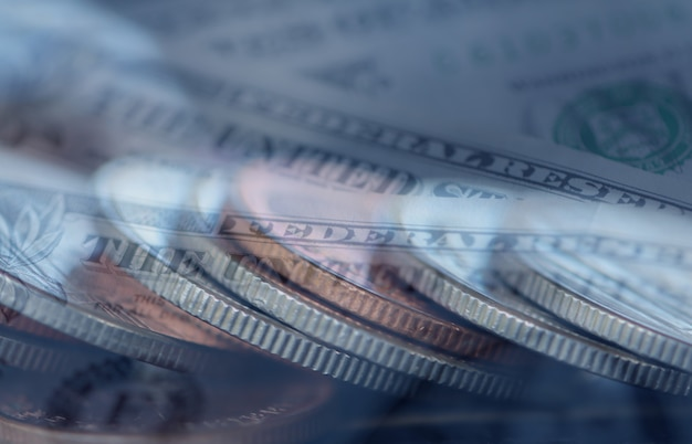 二重露光ビジネスのためのお金のコインの行